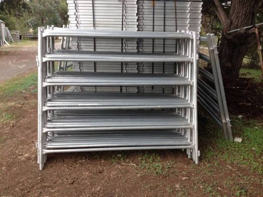 China 1.6m / 1.8m×2.1m Galvanized Corral Fence Panels 6 Rails Round Tube 32mm OD factory