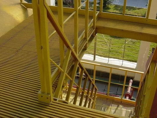 China High Impact FRP Grating Stair Treads In Petrochemical Industry Textile Printing factory