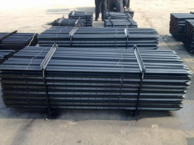 Professional Steel Star Pickets For Cattle Fence / Sheep Netting Fence