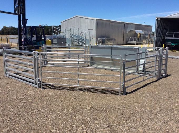 Hot Dipped Galvanized 6 Bars Horse Corral Panels For Livestock
